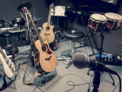 Das bekannteste Tonstudio in Hannover sind die Peppermint Park Studios auf dem EXPO-Gelände.