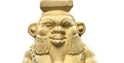 Salbgefäß in Gestalt von Bes, Fayence, um 600 v. Chr.