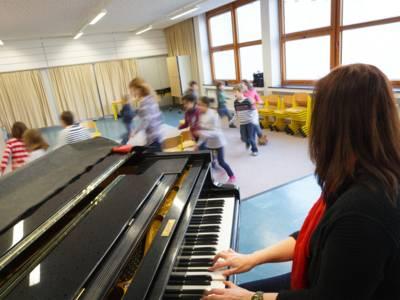 Musik– und Tanzangebot