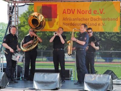 Eine aus fünf Polizisten bestehende Jazz-Combo