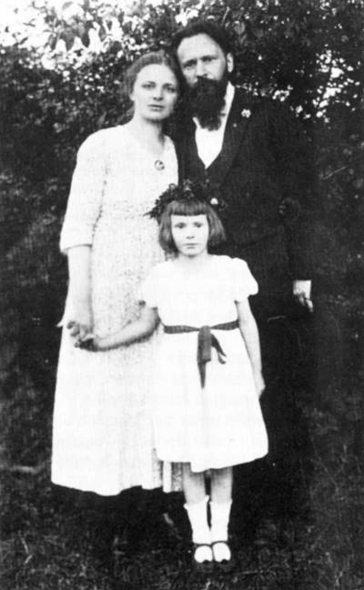 Theodor Lessing mit Ehefrau Ada und Tochter Ruth, ca. 1922.