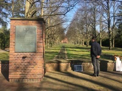 Stilles Gedenken am Mahnmal für die Opfer der hannoverschen KZ-Außenlager auf dem Stadtfriedhof Seelhorst für die am 6. April 1945 im KZ Mühlenberg Ermordeten