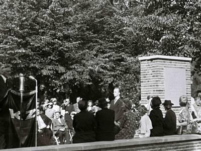 Ansprache Adolf Grimme zur Einweihung des Mahnmals auf dem Seelhorster Friedhof, 14.09.1947. © Depositum: Nachlass Victor Fenyes, Gedenkstätte Neuengamme