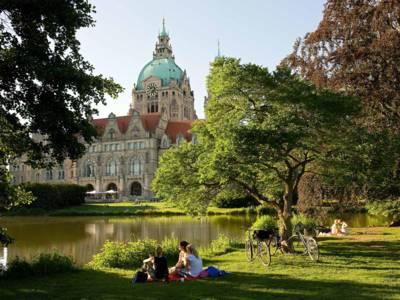 Neues Rathaus und Maschpark