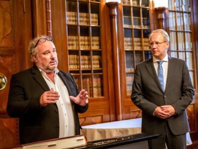 Waspo 98-Präsident Bernd Seidensticker und Oberbürgermeister Stefan Schostok