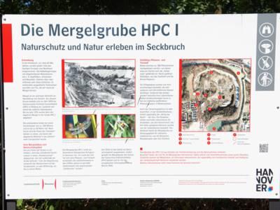 Informationstafel zur Mergelgrube Misburg.