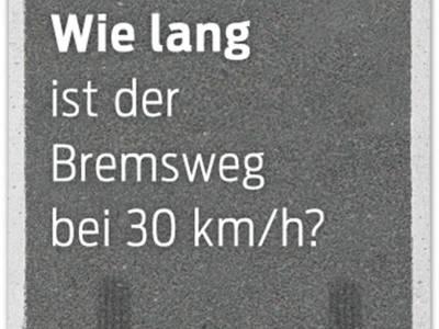 Teilausschnitt des Plakats Bremsweg bei 30 km/h