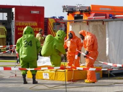 CSA-Trupp am Dekontaminationsplatz