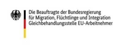"""Das Logo zeigt links den Bundesadler, daneben die Farben Deutschlands (schwarz, rot, gold) und dann die Worte """"Die Beauftragte der Bundesregierung für Migration, Flüchtlinge und Integration Gleichbehandlungsstelle EU-Arbeitnehmer""""."""