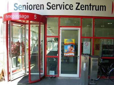 Der Eingang zum SeniorenServiceZentrum in der Ihmepassage 5
