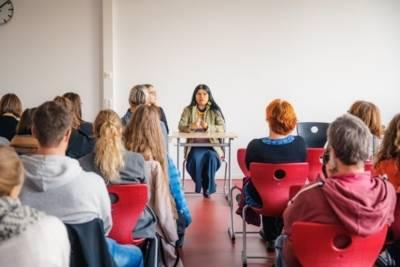 Multiplikatorinnen und Multiplikatoren im Gespräch mit Patricia Gualinga
