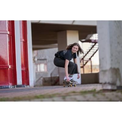 Vom Rugby zum Skateboarden: Lucy ist ein Bewegungstalent und liebt Sport mit Adrenalinkick