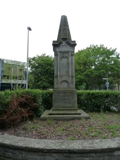 Obeliskförmiges Denkmal