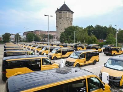 Parkende Kleintransporter