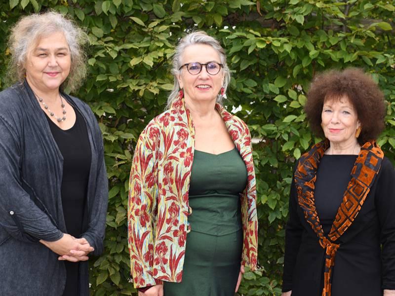 Die Künstlerinnen Tatjana Prelevic, Floriana Sommerauer und Inge-Rose Lippok (v.li.)
