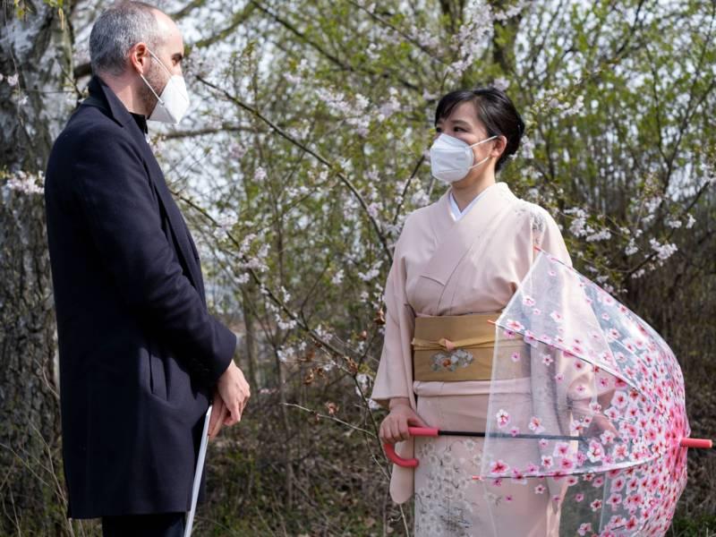 Oberbürgermeister Belit Onay und Hiroyo Nakamoto, Kulturbotschafterin der Stadt Hiroshima