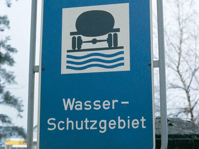 Schild zur Kennzeichnung eines Wasserschutzgebietes