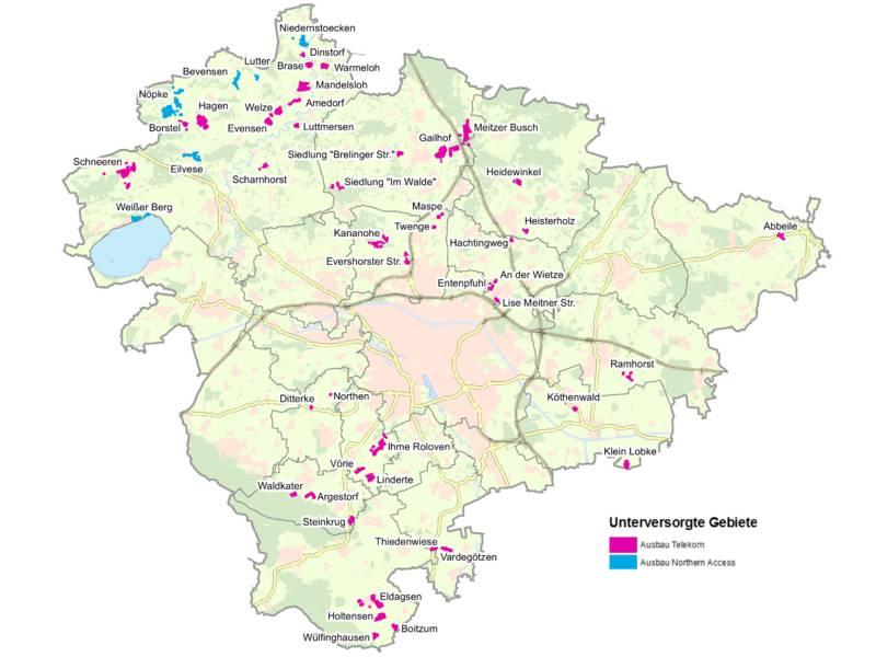 Die Karte zeigt das Gebiet der Region Hannover, blaue und magentafarbene Flächen zeigen, wo noch keine Breitbandinternetverbindungen möglich sind und welcher Anbeiter plant, diese auszubauen.