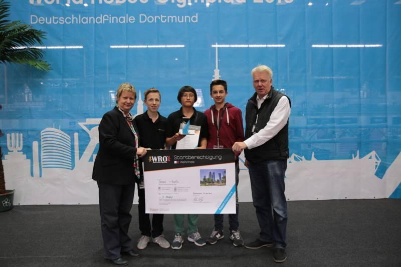 Team i-bots Junior: Leo Häberle, Raul Gorek, Simon Pauka