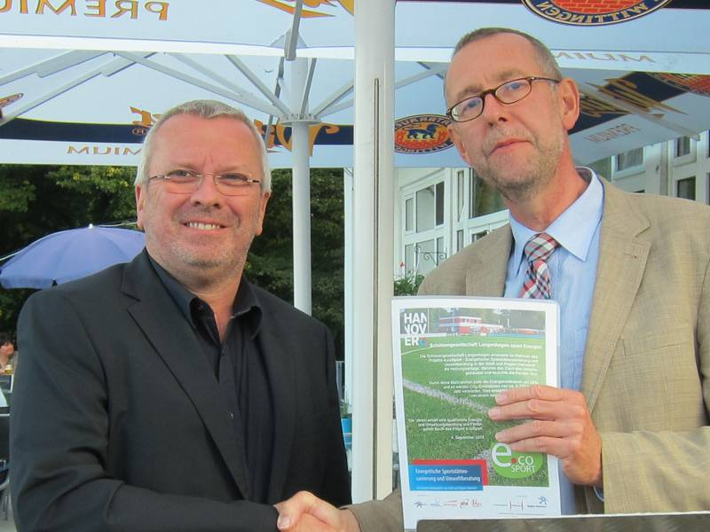 v.lks.: Jörg Nevermann und Prof. Dr. Axel Priebs