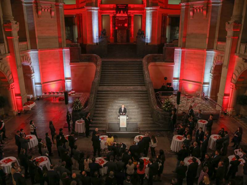Oberbürgermeister Stefan Schostok bei der Begrüßung im Neuen Rathaus