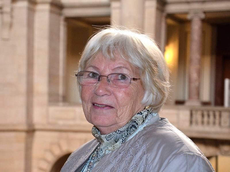 Frau Margrit Heidi Stolzenwald