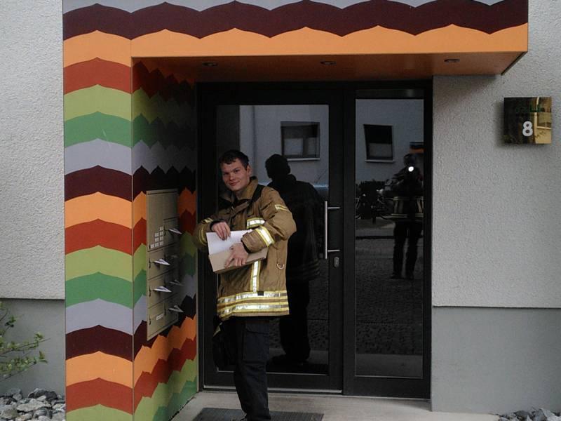 Die Verteilung der Informationsbroschüren führten mehr als 200 Helfer von DLRG, THW sowie von den Ortsfeuerwehren der Freiwilligen Feuerwehr Hannover durch.