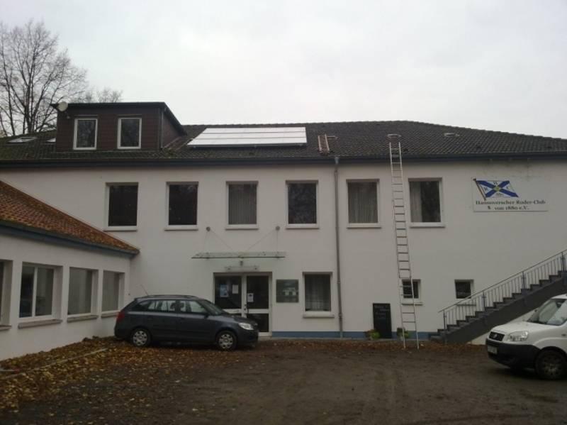 Solarthermieanlage auf dem Dach des Hannoverschen Ruderclubs