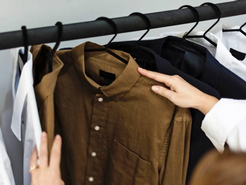Eine Kleiderstange