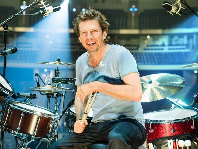 Mann am Schlagzeug