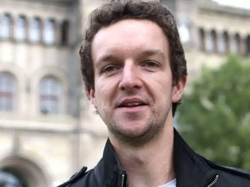 Porträtfoto eines jungen Mannes