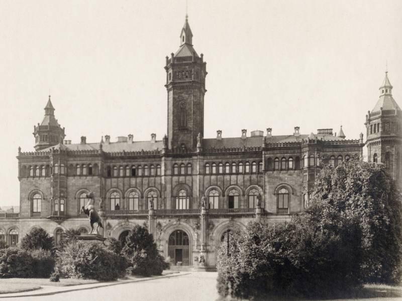 Historisches Gebäude, schwarz-weiß Aufnahme
