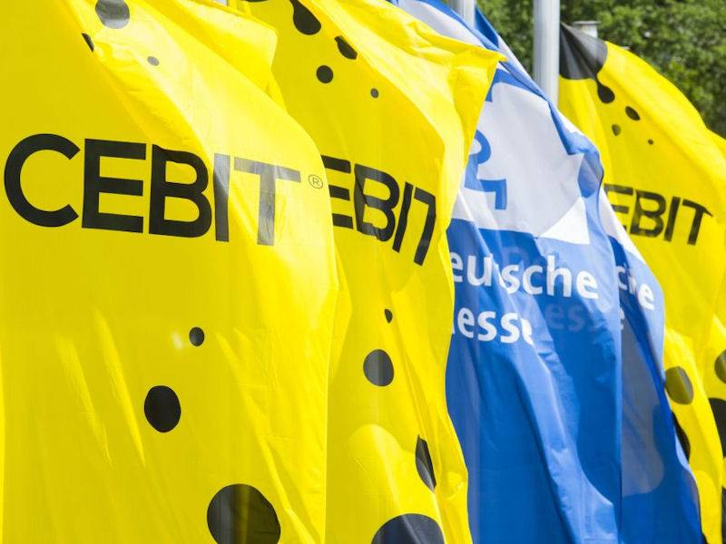 Flaggen mit dem Aufdruck CEBIT