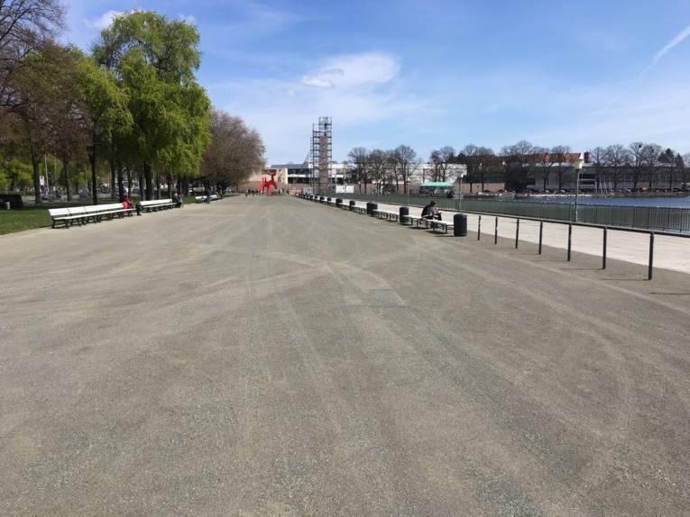 Ein Bild des neuen Bodenbelags am Nordufer des Maschsees.