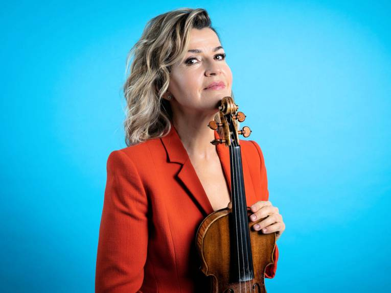 Frau mit Violine