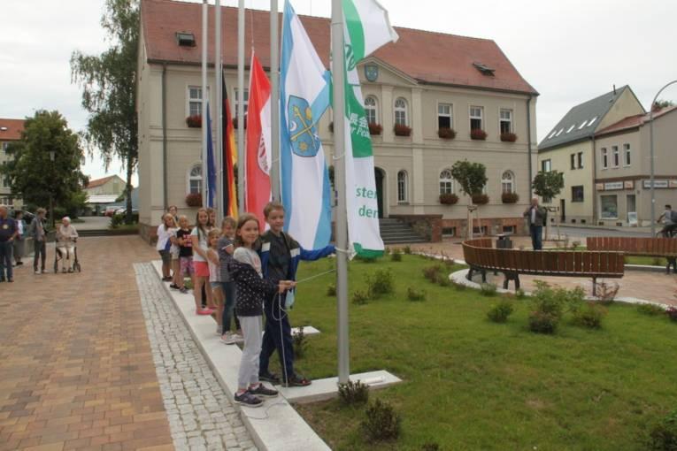 Ein Friedensgruß von Schüler*innen aus Seelow!