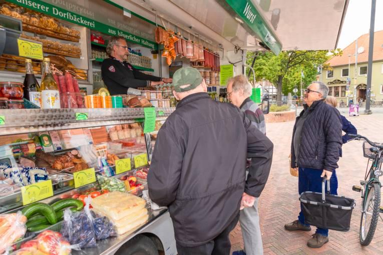 Ein Stand auf dem Wochenmarkt Badenstedt.