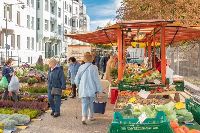 Der Wochenmarkt am Moltkeplatz.