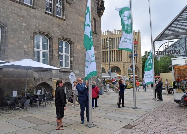 Oberbürgermeister Sven Schulze und Mitglieder der AG Chemnitzer Friedenstag