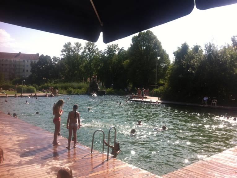 Das Naturbad Hainholz im Sommer