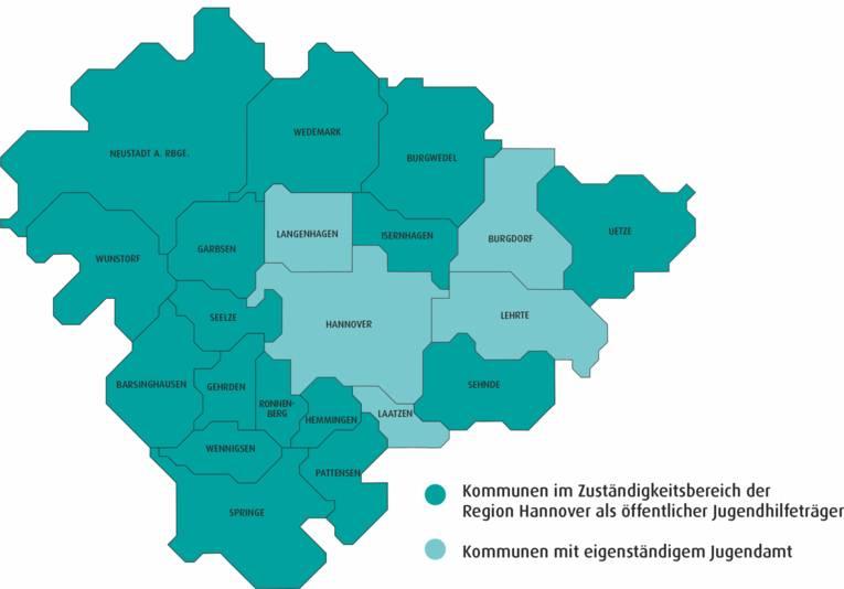 Karte der Region Hannover, die 21 Kommunen sind in zwei verschiedenen Grüntönen dargestellt – je nachdem, ob sie ein eigenes Jugendamt haben oder ob die Region Hannover die Aufgaben der Jugendhilfe übernommen hat.