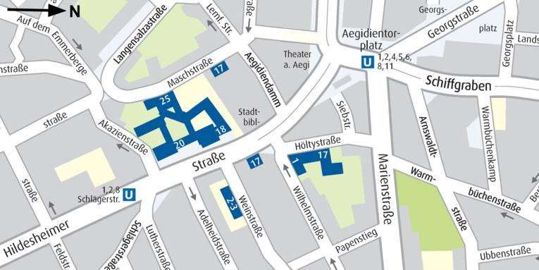 Straßenkarte, in der die Gebäude der Region Hannover in der Farbe Blau markiert sind. In Weiß sind die Hausnummern eingetragen (Maschstraße 25, Hildesheimer Straße 17, 18 und 20, Weinstraße 2, Wilhemstraße 1 und Höltydtraße 17).   Die Stadtbahnhaltestellen Schlägerstraße und Aegidientorplatz sind jeweils mit einem weißen U in einem blauen Quadrat markiert.