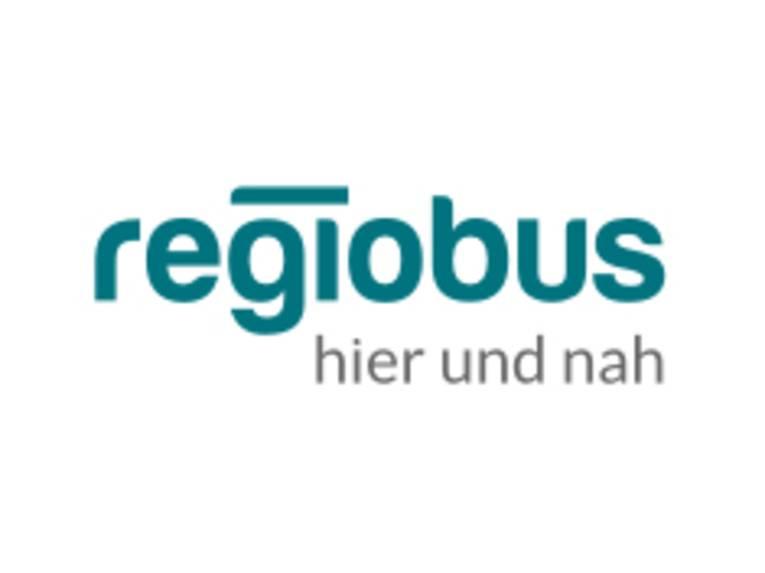 Schriftzug: regiobus hier und nah