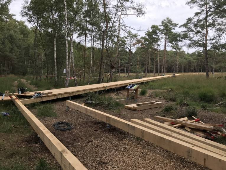 Holzsteg, Balken, Erdanker, Werkzeug, Material