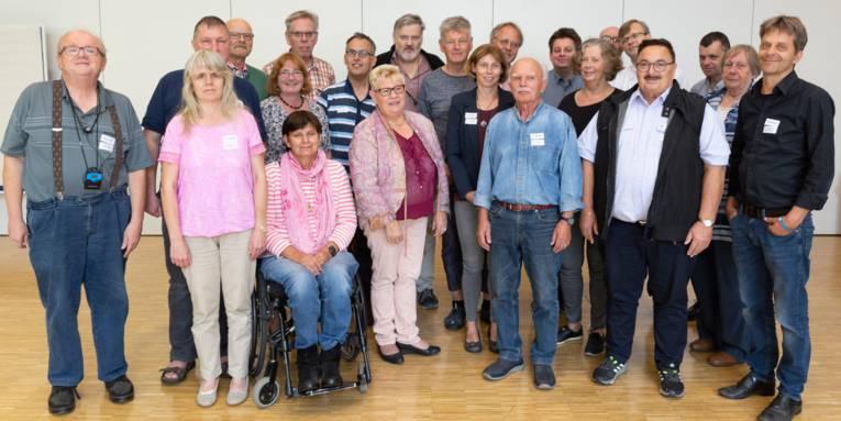 Eine Gruppe von Menschen - der ÖPNV Rat der Region Hannover