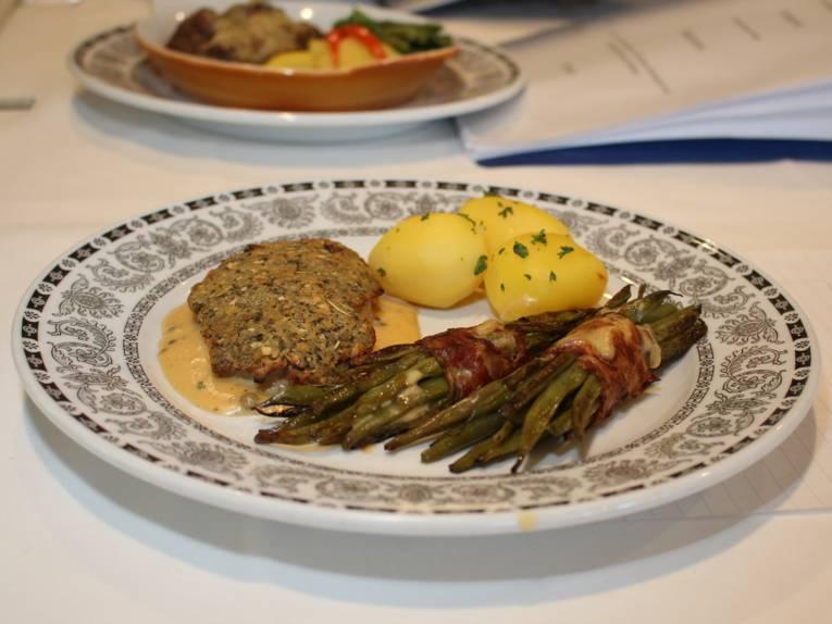 Torten, Brot und Fleischwaren