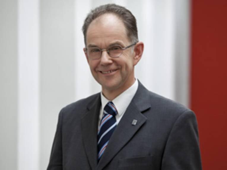 Dr. Hartmut Selle