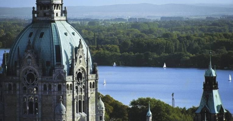 Der Ausblick über die Innenstadt Hannovers von der Rathaus Kuppel aus.