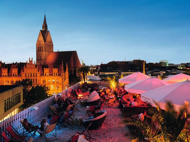 Eine abendliche Aufnahme mit Blick auf Hannovers Altstadt.