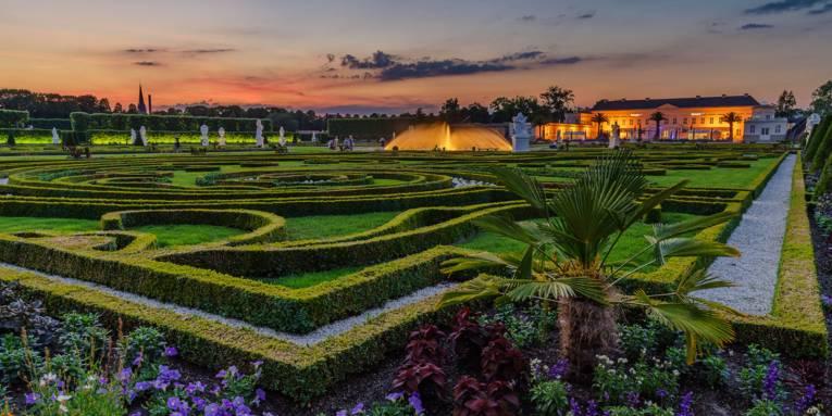 Herrenhäuser Gärten mit Schloss Herrenhausen